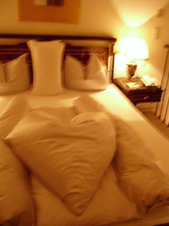 Hotel Schwarzer Adler : Our Bedroom on night 1