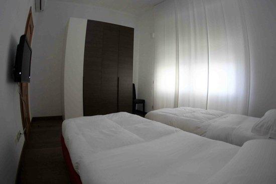 Linate Residence : seconda camera trilocale