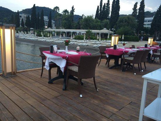 Hotel Marbella : The hotel jetty where we ate twice