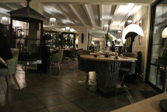 La Mare aux Oiseaux: restaurant intérieur