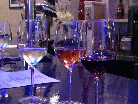 Vino n Vittles: Wine tasting