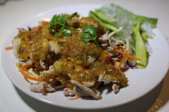 K.P. Food: Moo Ma-Nao (Boiled Pork with Lime, Galic and Chili Sauce)