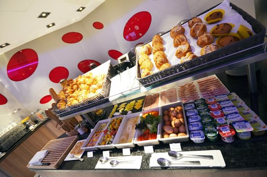Holiday Inn Dijon Toison d'Or : Buffet Petit-Déjeuner