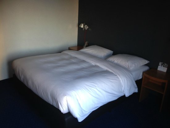 Inntel Hotels Rotterdam Centre: Comfortable Bed