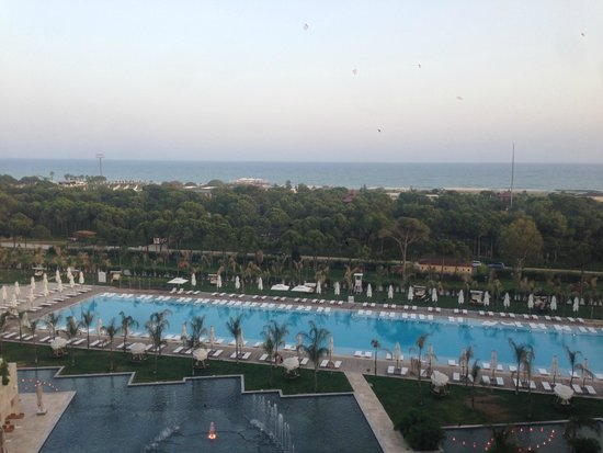 Regnum Carya Golf & Spa Resort: view of the adult (+15) pool from our room