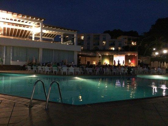 Invisa Hotel Club Cala Blanca: Hotellområdet