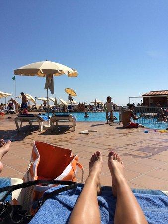 Invisa Hotel Club Cala Blanca : Poolen vid restaurangen
