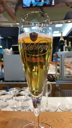 Holiday Inn Dusseldorf - Hafen : Cheers!