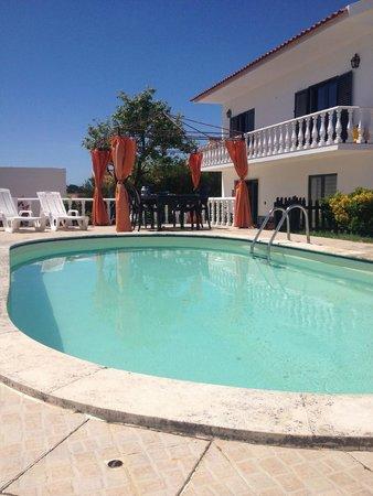 Inn Houzz: Acesso a piscina exterior