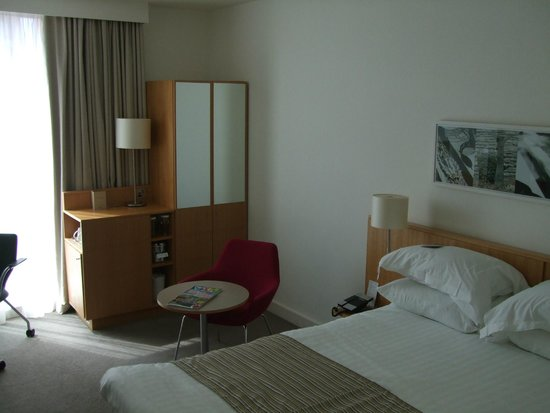 Doubletree by Hilton Hotel Leeds City Centre : Comfortable Room