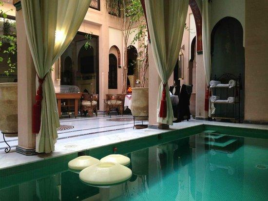 Riad Dar Anika : Pool can be heated in winter days