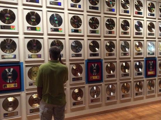Country Music Hall of Fame and Museum : gold record wall