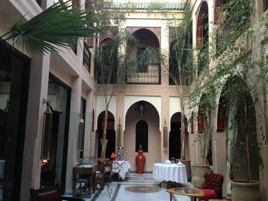 Riad Dar Anika: Entrance
