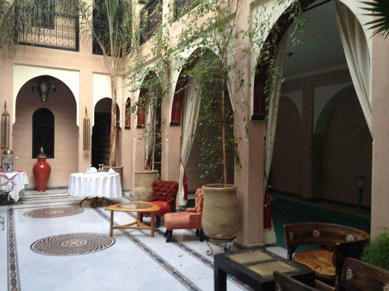 Riad Dar Anika: Relaxing area