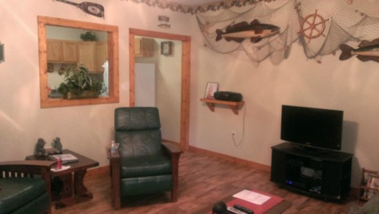 Willowbrook Cabins: Living room