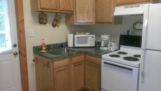 Willowbrook Cabins: Kitchen