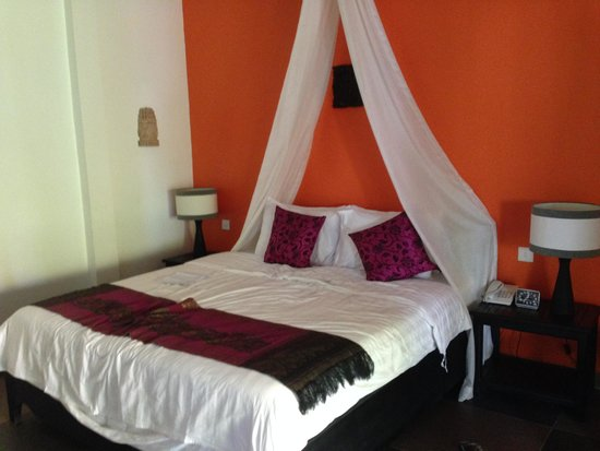 Areca Angkor Boutique : Our bed