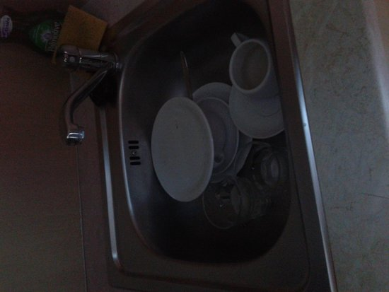Theros Hotel: dirty dishes