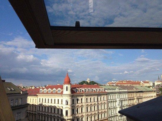 987 Design Prague Hotel: Виз из номера на 6ом этаже