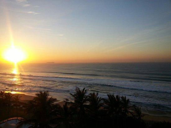uMhlanga Sands Resort: Early morning photo.