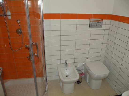 Excellent Antares Bed And Breakfast Bagno Arancione With