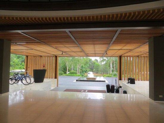 Renaissance Phuket Resort & Spa: Lobby view