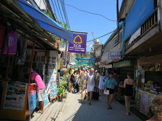 Phi Phi Islands : street