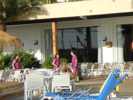 Best Sabinal: Maids Finished Cleaning  30 secs Whole Pool Area