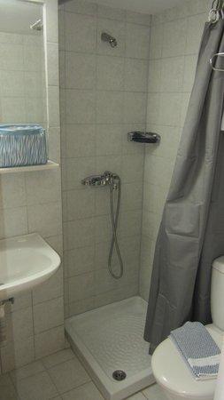 Hermes: Bathroom