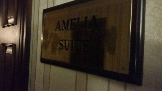 The Oakwood Hotel: Suite name