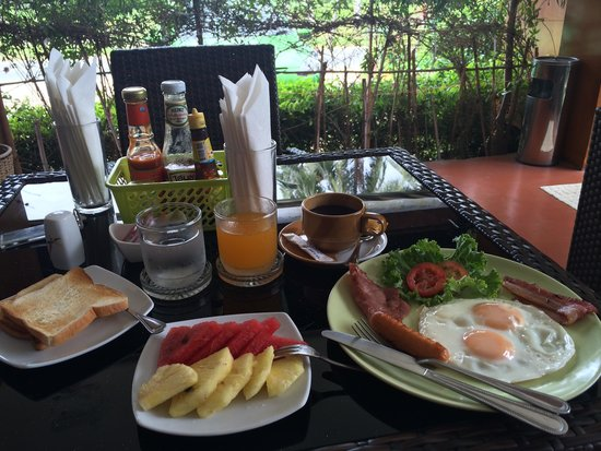Phu NaNa Boutique Hotel: Breakfast provided by the hotel