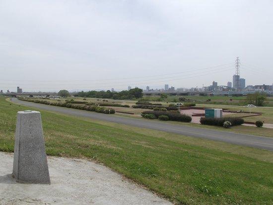 Yodo River: 淀川距離標