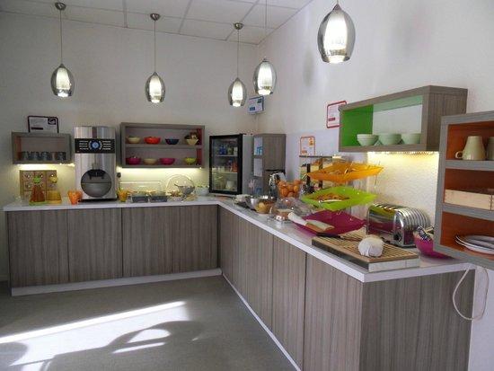 Ibis Styles Grenoble Centre Gare : Buffet Petit déjeuner inclus dans notre tarif