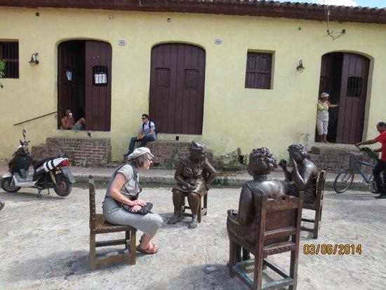 Plaza del Carmen: las chismes de la plaza