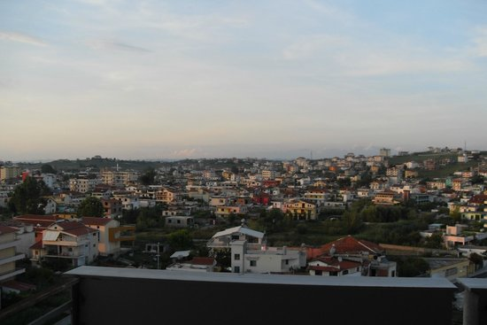 Hotel Albion: Durres in the evening