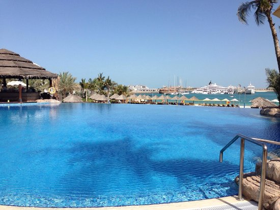 Le Meridien Mina Seyahi Beach Resort and Marina: Lovely pool