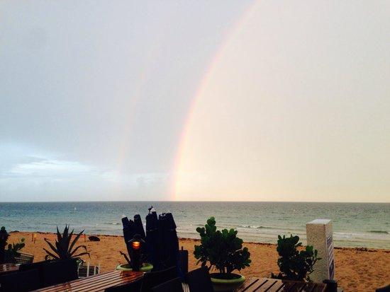Ocean Manor Resort Hotel: Double rainbow