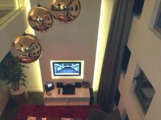 Rixos Taksim Istanbul: living room from first level