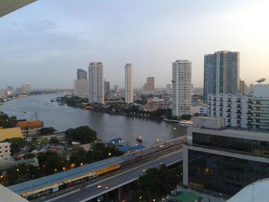 Centre Point Hotel Silom : vista dal balcone