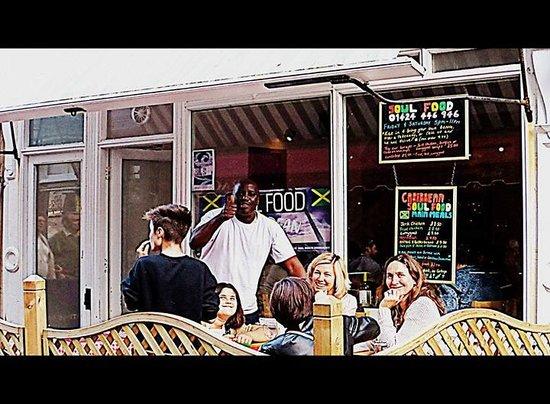 Soul Food at Henry's Bistro: Soul Food, Soul Good!