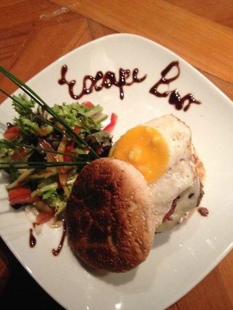 Escape : Now thats a burger