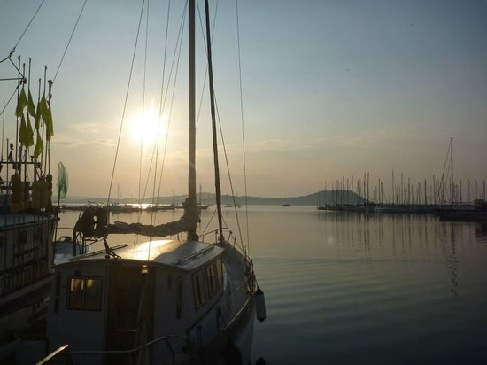 Talamone, Italy: The marina in the morning