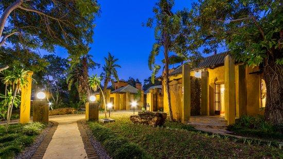 Gecko Lodge: Entrance