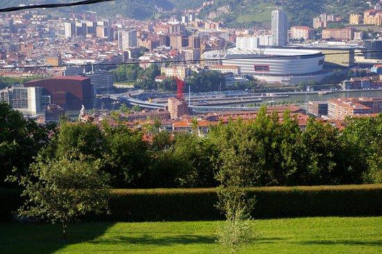 Hotel Artetxe: Vuie sur Bilbao depuis la chambre
