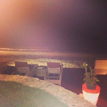 Sheraton Senggigi Beach Resort: Cocktails on the beach 2 for 1 between 6-8pm