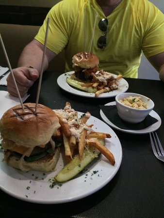 The Griffon Gastropub: DELICIOUS FOOD! A culinary treat. Everything with it's own twist and special taste.