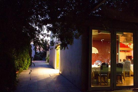 Restaurante Camaura: Exteriores