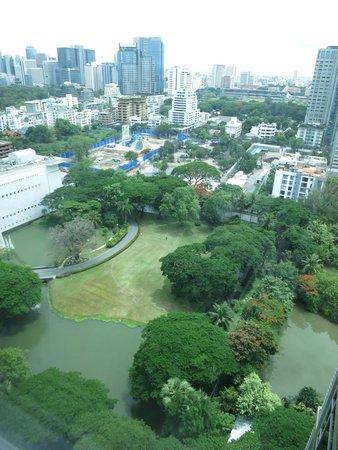 Oriental Residence Bangkok: One-bedroom Corner Suite view