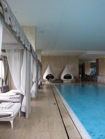 Oriental Residence Bangkok: Swimming pool