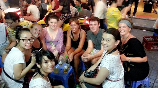 Hanoi Street Food Tour: Our little group that night ;)